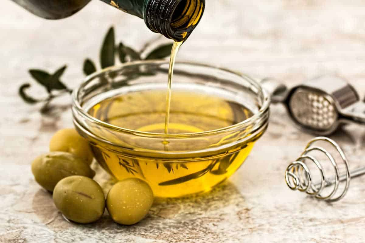 olive oil in a clear bowl